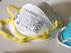 Reuters – Pentagon awarding contract to boost N95 mask production capacity by 39 million